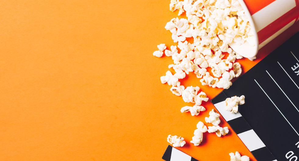 FOTO 1 | 1. El secreto de vivir (1936). Dirigida por Frank Capra.  Ambientada en la Gran Depresión, narra la historia de Mr Deeds (Gary Cooper) un poeta y músico que vive en un pequeño pueblo y que, a raíz de la muerte de su tío, recibe una cuantiosa herencia. Su llegada a Nueva York provoca un gran cambio en su vida y se ve ridiculizado por los medios de comunicación debido a sus decisiones. Detrás de estos artículos se encuentra Babe Bennett (Jean Arthur), una periodista que finge ser otra persona con el fin de acercarse a él y de la que terminará enamorándose.