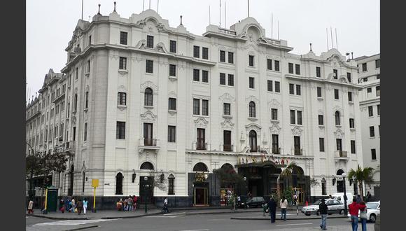 FOTO 3 | Dueños del hotel Bolívar recuperan su control, pero enfrentan deudas.  La infraestructura pasó a manos de la familia León Rupp. (Foto: Wikipedia)