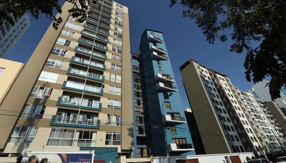 Entre las principales modificaciones está que las inmobiliarias que construyan viviendas para alquilar sean exoneradas del 18% del IGV. (Foto: Andina)