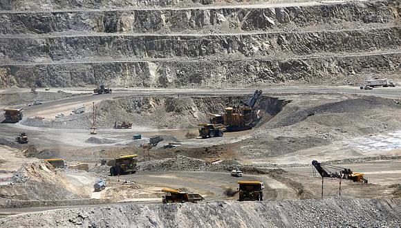 No es la primera vez que la vía contra la mina china es bloqueada por los residentes. En el 2016 y 2019 otros cortes viales provocaron enfrentamientos con la policía y la muerte de un vecino. (Foto: GEC)