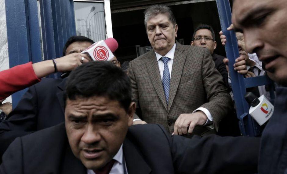 Alan García Pérez llegó a la fiscalía este jueves; sin embargo, la diligencia fue suspendida. (Foto: Anthony Niño de Guzmán)