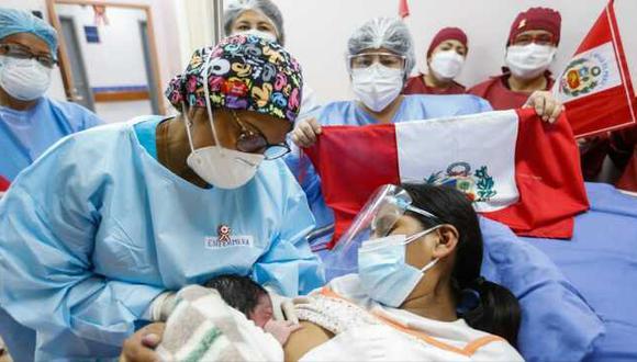 El primer bebé del Bicentenario llegó al mundo a solo once segundos de haber iniciado el 28 de julio. (Foto: Minsa)