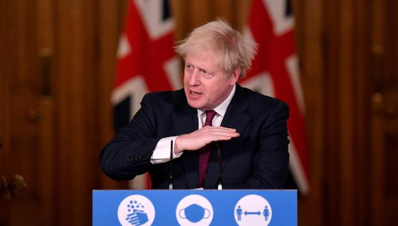 El primer ministro británico Boris Johnson anuncia las medidas para frenar al coronavirus. REUTERS/Toby Melville/Pool