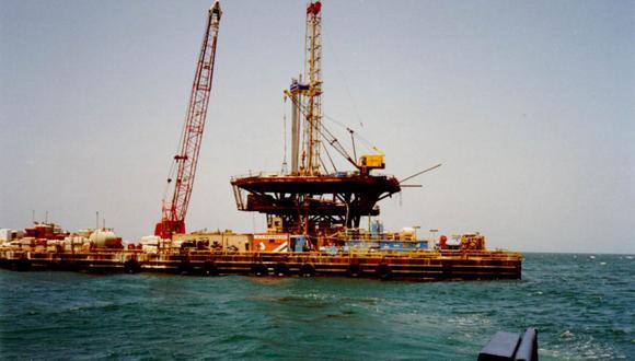 Los precios del petróleo sufrieron una caída de más del 4 % el lunes. (Foto: Andina)