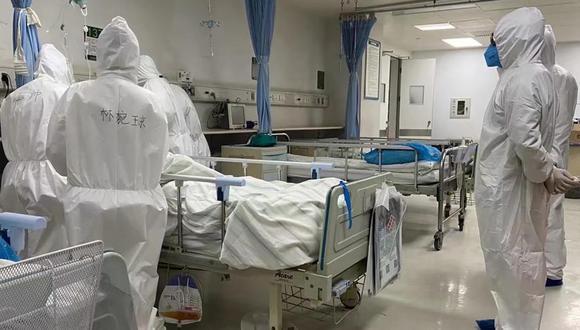 """Según el doctor, la única manera de acabar con la pandemia será con una vacuna pero, en su opinión, """"es bastante poco probable que las farmacéuticas puedan producir vacunas y suministrarlas al mercado en el período de un año"""". (Foto: AFP)"""