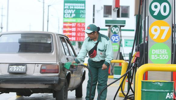 Opecu alertó nuevamente un sobrecosto en precios de los combustibles.  (Foto: GEC)