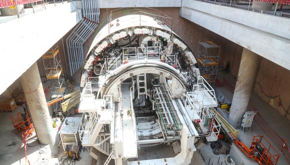 La maquinaria inicia su funcionamiento con la puesta en marcha de las cintas transportadoras con el empuje de los gatos hidráulicos y el giro de la rueda de corte. (Foto: Difusión/MTC)