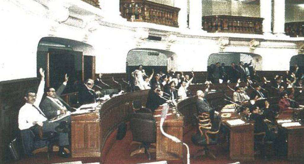 En la última sesión de la legislatura ordinaria aprobaron que las acciones inscritas en bolsa podrán negociarse fuera de rueda. La operación será informada 24 horas después a Conasev.