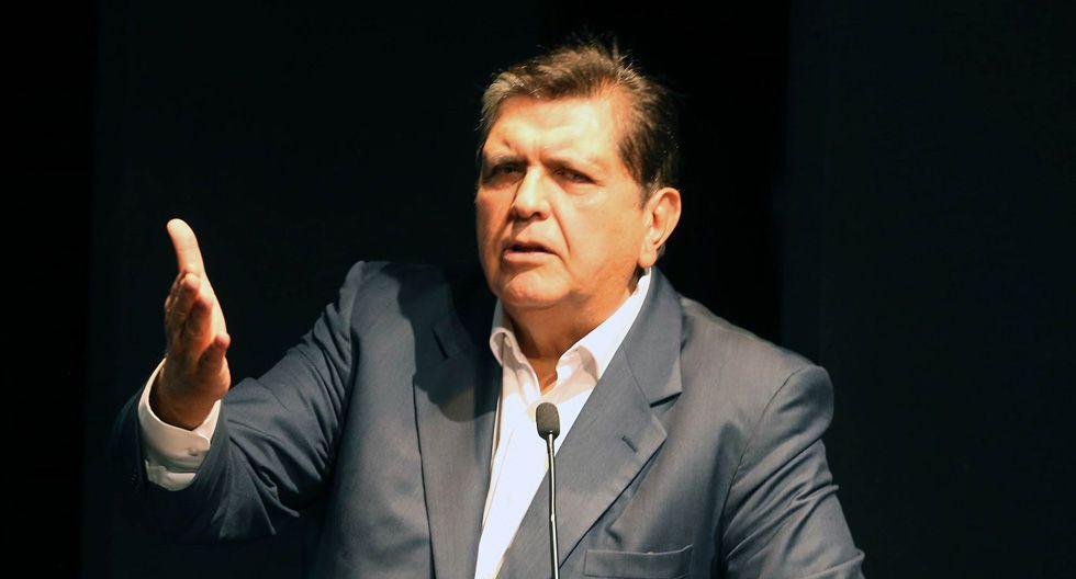 Foto 12 | Expresidente de la República - Alan García  ► Capítulo cerrado. O se va hoy, o lo sacan mañana. ¿y después qué? Recomenzar el crecimiento, el empleo y la reducción de la pobreza. El Perú puede mucho más.