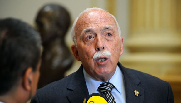 El nuevo vocero de Fuerza Popular, Carlos Tubino, pidió al Gobierno que acceda al diálogo para trabajar temas de corrupción y descentralización. (Foto: Congreso)