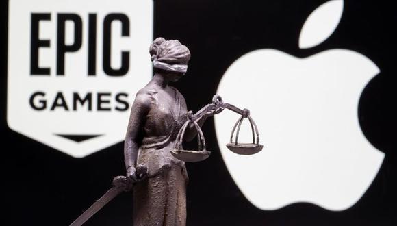 Epic demandó a Apple el año pasado en una corte federal en California, alegando que las comisiones de entre un 15% a un 30% que Apple cobra por el uso del sistema de pago dentro de las aplicaciones y la práctica de Apple de ejercer control sobre qué aplicaciones se pueden instalar en sus aparatos corresponden a comportamientos anticompetitivos. (Foto: REUTERS/Dado Ruvic/Ilustración)