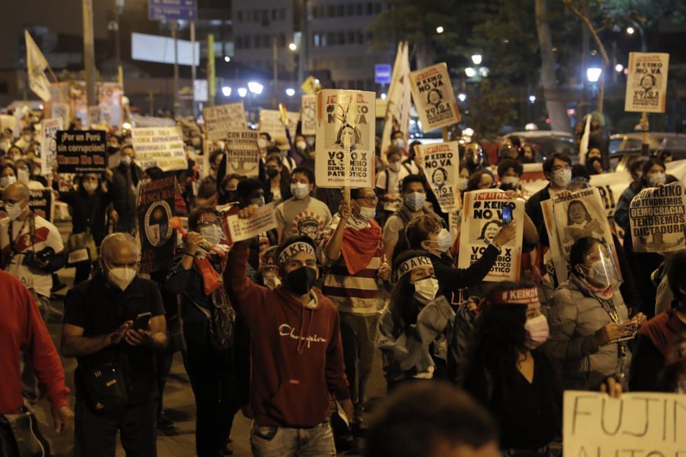 Diversos colectivos de la sociedad civil participaron este sábado de una marcha en el Centro de Lima en rechazo a la candidatura presidencial de Keiko Fujimori, de Fuerza Popular. (Foto: Renzo Salazar / @photo.gec)