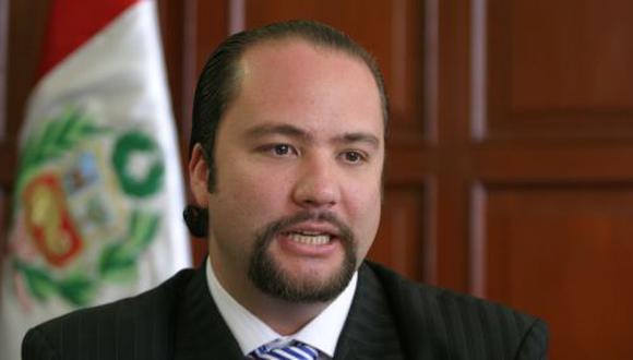 Carlos Posada