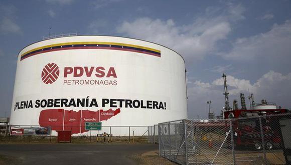 Imagen de archivo de un tanque de petróleo en el complejo industrial de PDVSA José Antonio Anzoátegui en el estado de Anzoátegui, Venezuela, 15 de abril de 2015. (REUTERS/Carlos Garcia Rawlins).