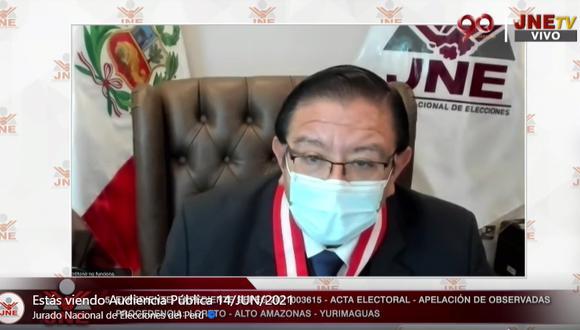El presidente del JNE, Jorge Luis Salas Arenas, dejó al voto los 10 expedientes. (Captura JNETV)