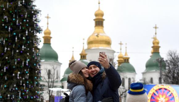 Perú y Ucrania acordaron la exención de visa entre ambos países. (Foto: Sergei SUPINSKY / AFP)