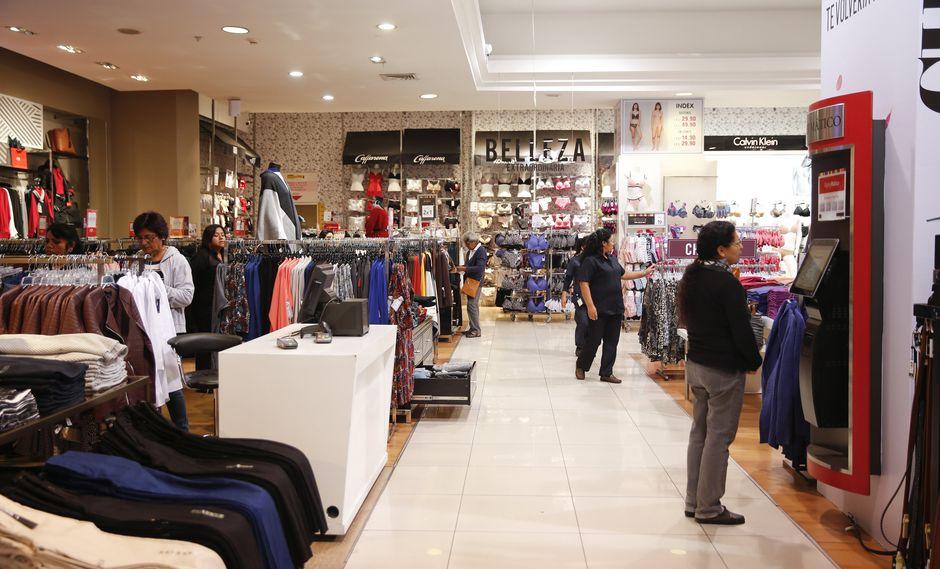 Poder del maniquí. Las tiendas por departamento rotan hasta cuatro veces al año sus colecciones de moda, en cambio las fast fashion lo hacen de 10 a 12 veces. (Foto: Manuel Melgar)