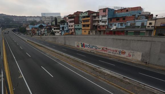 Los apagones pegan un golpe demoledor a la caótica economía de Venezuela. (Foto: EFE)