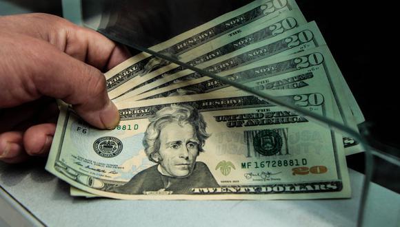 En el mercado paralelo o informal, el tipo de cambio se cotiza a S/ 3.565 la venta. (Foto: GEC)