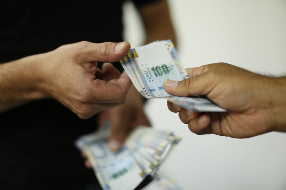 El plazo máximo para la entrega de la gratificación es hasta el 15 de diciembre. El monto a recibir varía en función de los meses trabajados. (Foto: GEC)