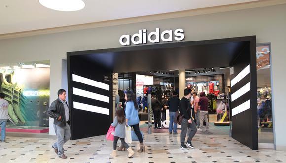 Foto 3   Adidas proviene del apodo y el apellido de su fundador Adolf Dassler, al que llamaban Adi, junto a las tres primeras letras de su apellido: Adi-das.