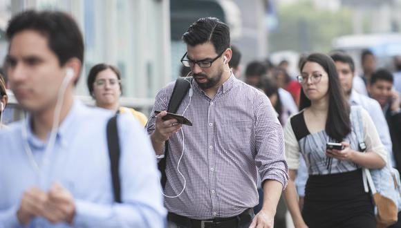 El trámite de migración es gratuito y se puede solicitar a través de cualquiera de los canales de atención de las empresas operadoras. (Foto: Osiptel)