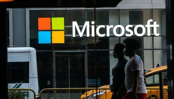 Microsoft viene agregando características de seguridad a productos que incluyen Windows y sus servicios en la nube Azure para proteger máquinas individuales y detectar ataques a redes.