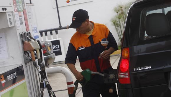 Opecu evalúa presentar un recurso de amparo para evitar alzas de los precios de los combustibles. (Foto: GEC)