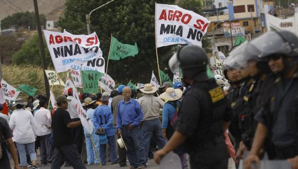 Dirigentes del Valle de Tambo anunciaron iniciar el lunes 15 un paro indefinido en rechazo a la licencia otorgada por el Estado a Southern Perú Copper Corporation.(Foto: Referencial/GEC)