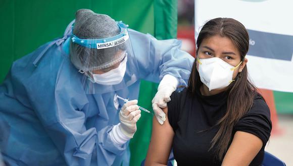 Se espera que el primer lote de vacunas de Sinopharm lleguen este mes. (Britanie Arroyo / @photo.gec)