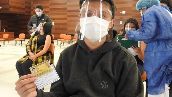 Adolescente vacunado en Tacna el pasado 13 de setiembre. La región ya venía vacunando a los menores a partir de los 14 años. (Foto: Diresa Tacna)