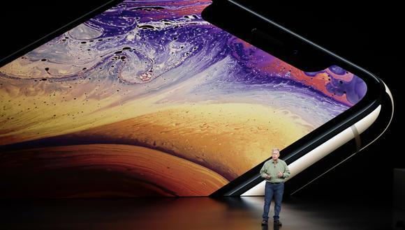 Phil Schiller, vicepresidente senior de marketing global de Apple, explica las características del iPhone XS. (Foto: AP)