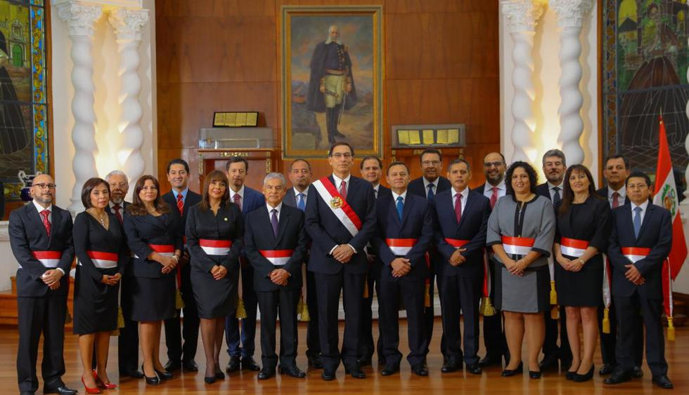 El Gabinete Ministerial presidido por César Villanueva tomó juramento ante el mandatario Martín Vizcarra el 2 de abril del 2018. (Foto: @MartinVizcarraC)