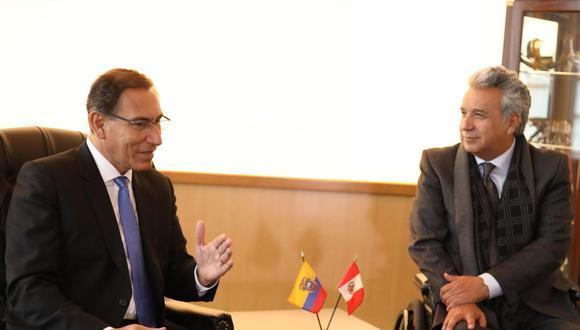 Martín Vizcarra y Lenín Moreno. (Foto: EFE).
