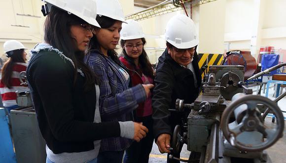 Alumnos de la carrera de Ingeniería. (Foto: Difusión)