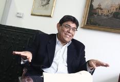 """Elmer Cuba: """"En Chile reclaman porque la pensión es baja, acá no reclaman porque no tienen"""""""