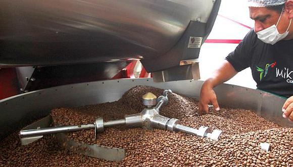 La cadena de producción, comercialización y exportación de café generó 365,189 empleos en el 2017, según Adex. (Foto: El Comercio)