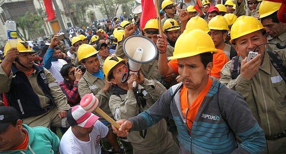Jorge Juarez precisó que las 102 bases que pertenecen a la Federación Minera acatarán el paro indefinido. (Reuters)