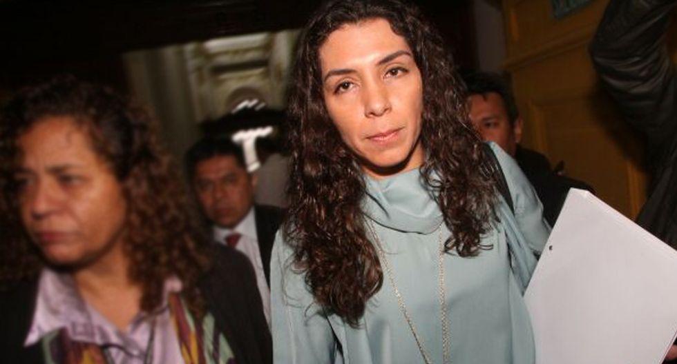 FOTO 4 | 4. Rocío Calderon Vinatea ha sido acusada como cómplice primario, autor y coautora de los delitos de lavado de activos por la campaña del 2006 en modalidad de conversión y de ocultamiento. En total, se solicitaron 26 años y 6 meses de prisión para ella. (Foto: Expreso)