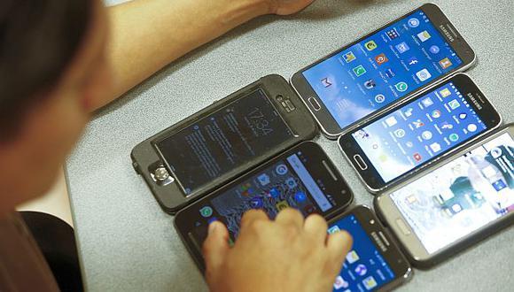 El bloqueo de equipos móviles con IMEI inválidos busca combatir el comercio ilegal de celulares. (Foto: GEC)