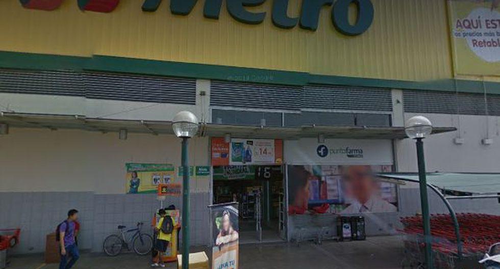 El local de Metro ubicado en la avenida Universitaria de la urbanización El Retablo fue cerrado de manera temporal y reabrirá este viernes. (Foto: Google Maps)