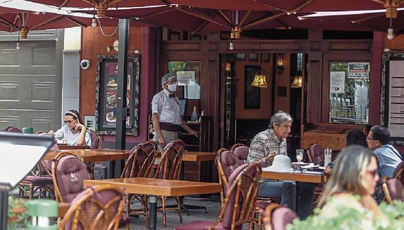 Servicios. Solo un pequeño grupo de restaurantes cuentan con delivery. (Foto: GEC)