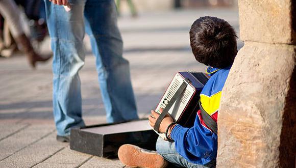La más reciente Encuesta sobre Condiciones de Vida (Encovi) -un estudio elaborado por la Universidad Católica Andrés Bello (UCAB), que recoge cifras sobre la situación en el país- determinó que el 94.5% de los venezolanos viven por debajo del umbral de pobreza y que la cobertura educativa bajó a 65%, cinco puntos menos que en la medición del 2019-2020. (Foto: iStock)