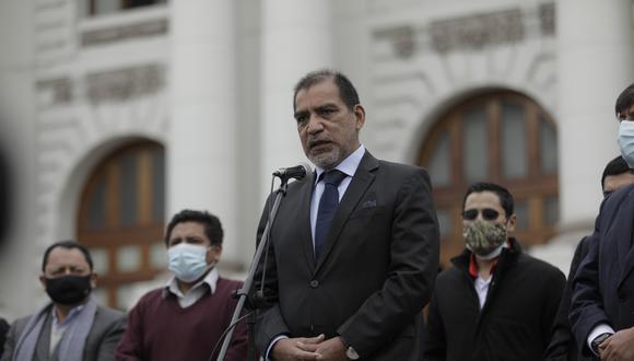 Desde el Congreso diferentes bancadas exhortaron al presidente Pedro Castillo remover a Luis Barranzuela de su cargo. Foto: GEC