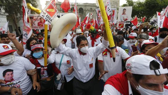 Pedro Castillo se mantiene en el primer lugar del nuevo reporte de la ONPE, al 20.931%. (Foto: GEC)