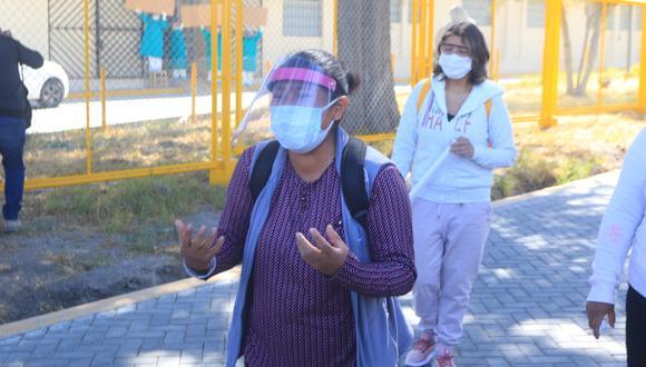 Tal vez una de las imágenes más desgarradoras de esta tragedia llamada COVID-19 ha sido la de aquella mujer en Arequipa que le reclamaba a gritos a un esquivo presidente Vizcarra que por favor ayuden a su esposo  (Foto: GEC)