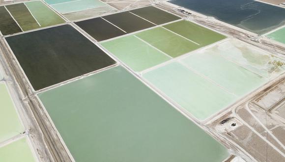 Albemarle tiene dos sitios de producción en el norte de Chile: la planta Salar en el desierto de Atacama y La Negra cerca de la ciudad de Antofagasta.