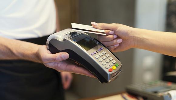 Compra con tarjeta se contrajo 4.3% en febrero, según data del BBVA Research.