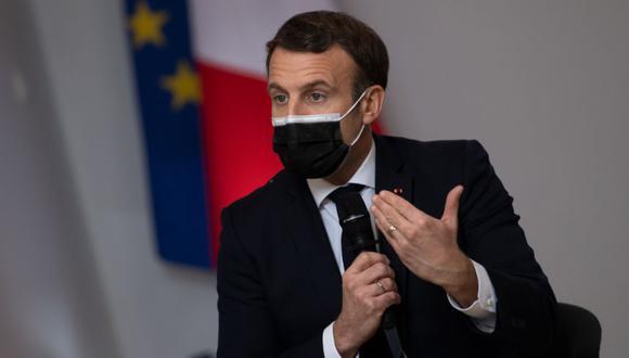 El presidente francés ha mostrado su contrariedad por la forma en la que el estadounidense Joe Biden ha acaparado la atención mundial con su propuesta para abrir las patentes de las vacunas. (Photo by LOIC VENANCE / POOL / AFP).