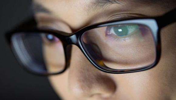 El uso excesivo de la tecnología puede ocasionar diversos trastornos, los cuales afectan principalmente la visión. (Foto: Difusión)